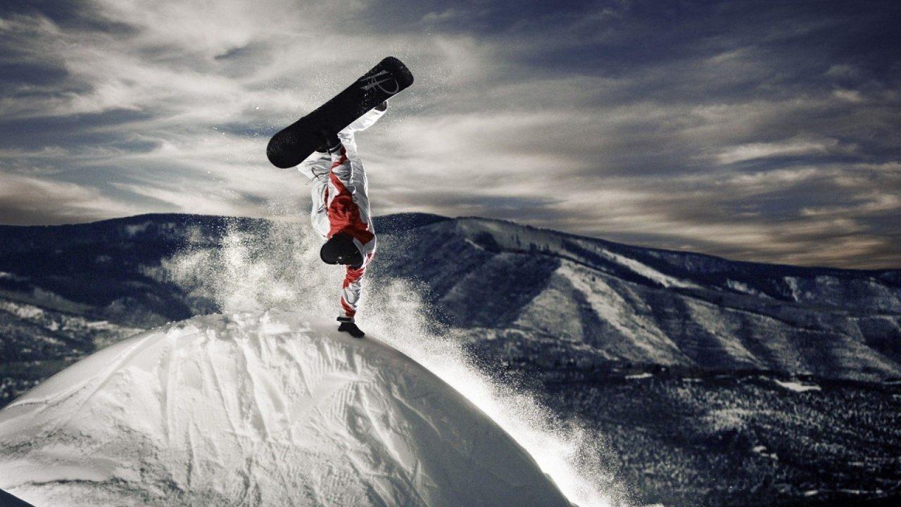 2 trucs snowboarder