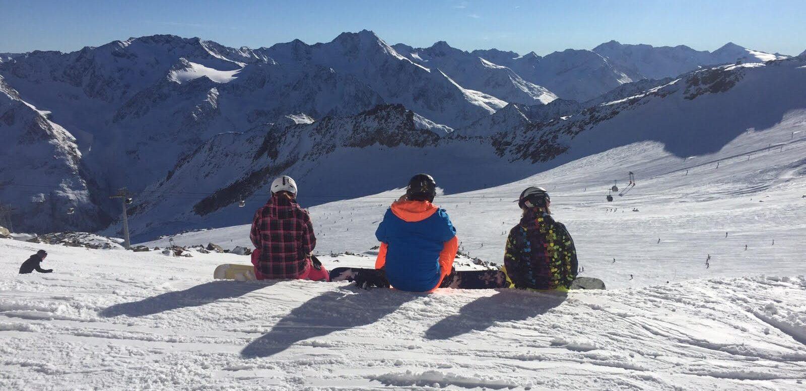 Snowboarders in Sölden