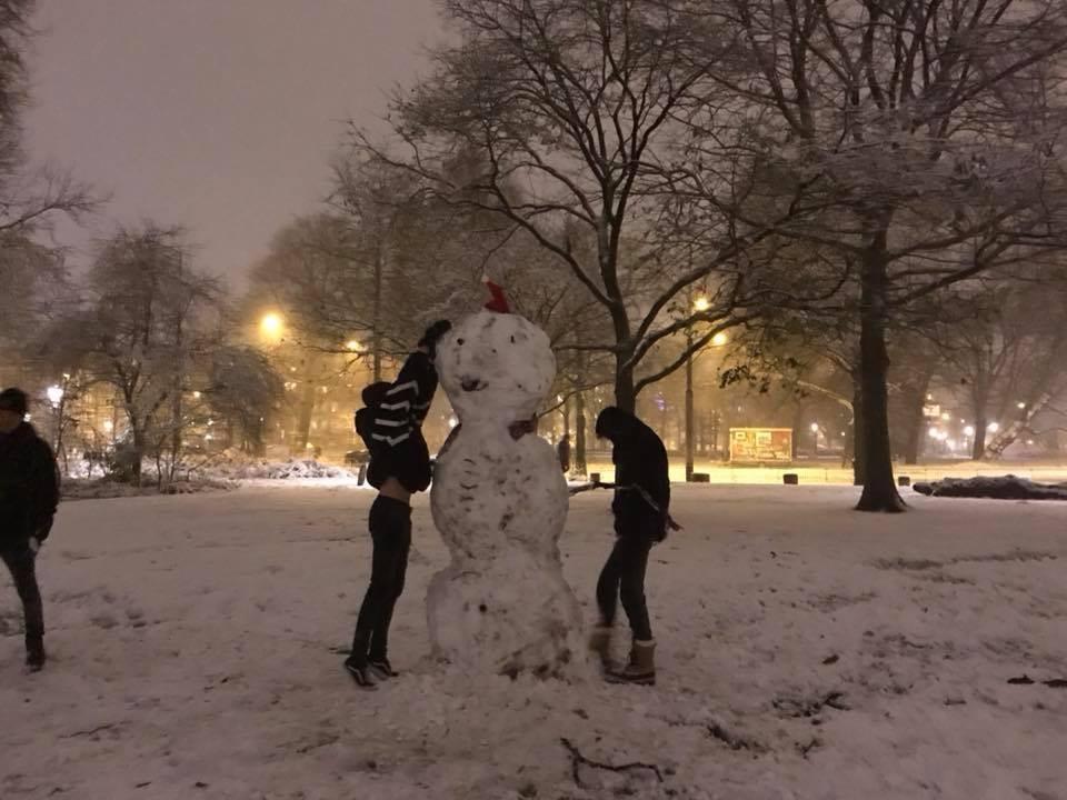 De grootste sneeuwpop van Amsterdam!
