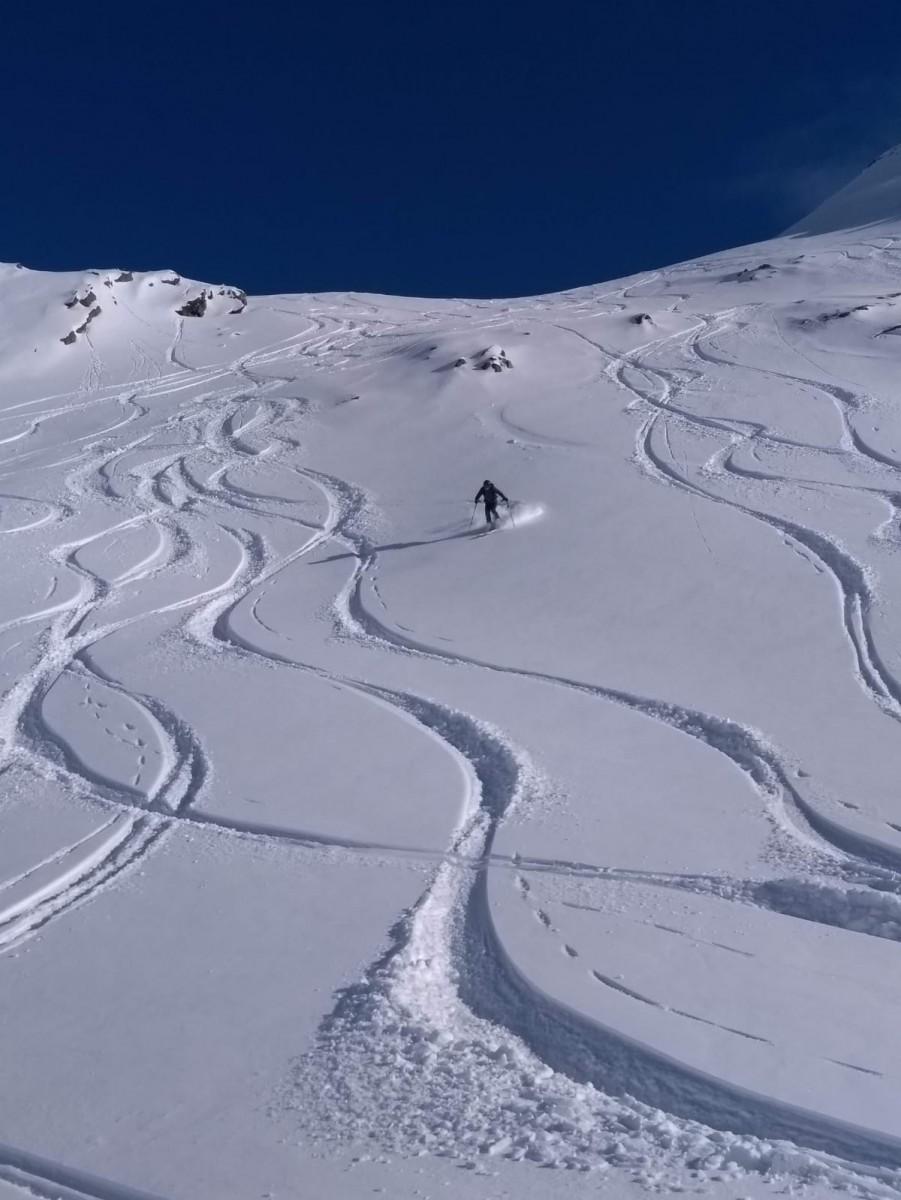 Sporen in de sneeuw obergurgl