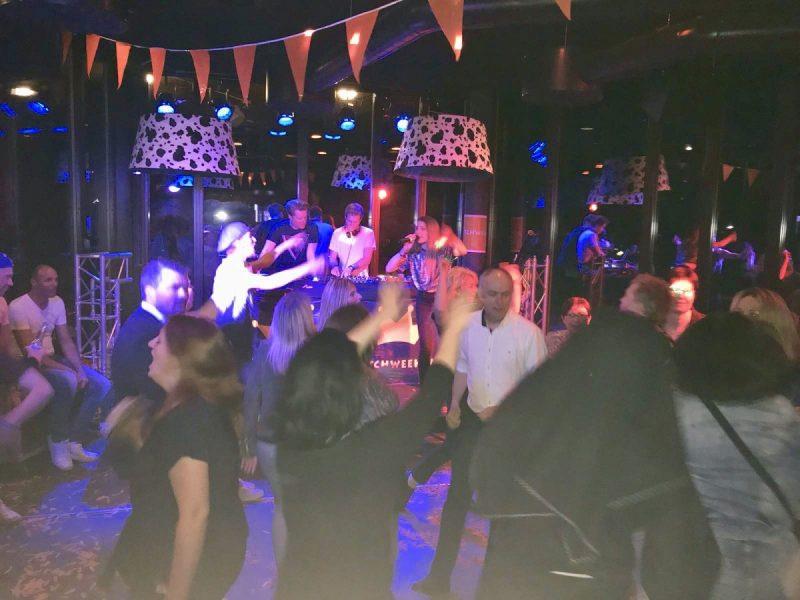 Vanzelfsprekend ontbreken feestjes niet tijdens de Dutchweek!
