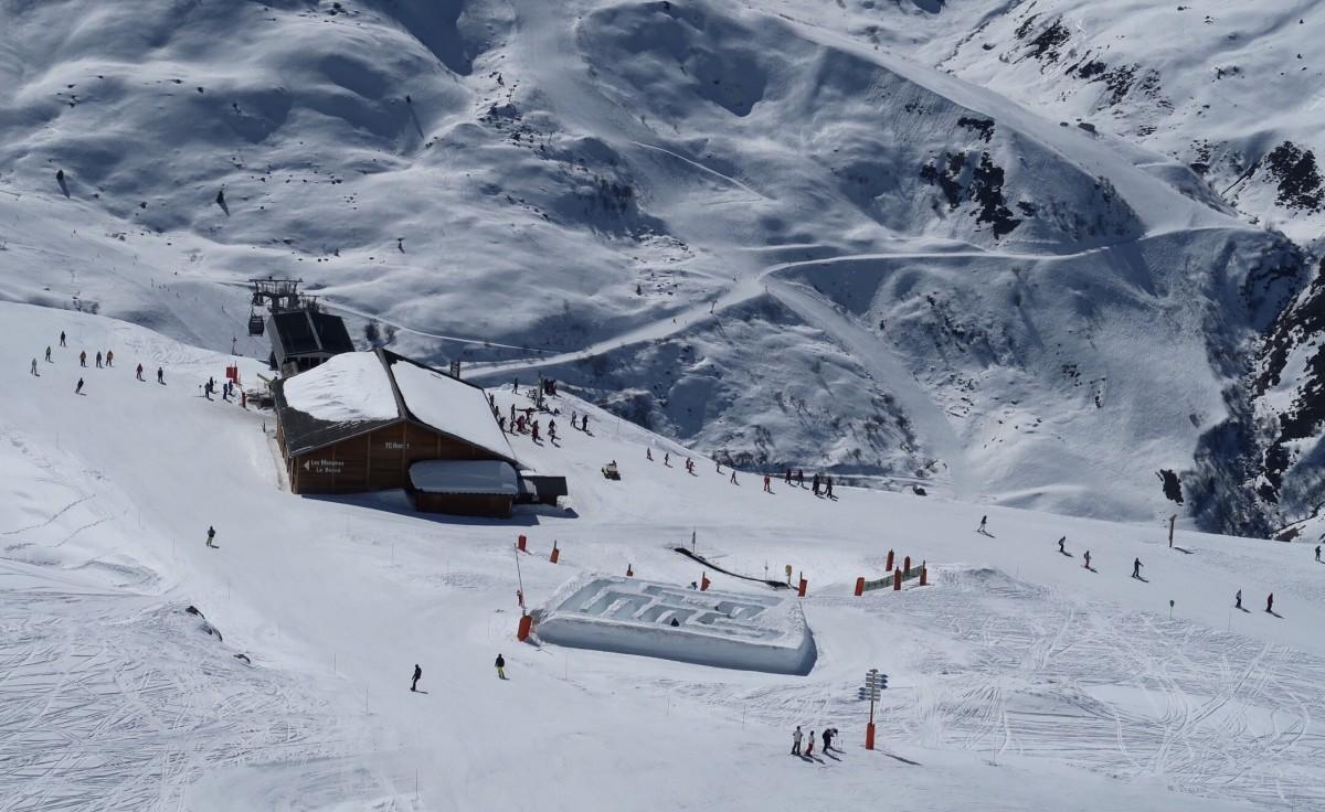 Prachtig sneeuwdoolhof in Les Menuires