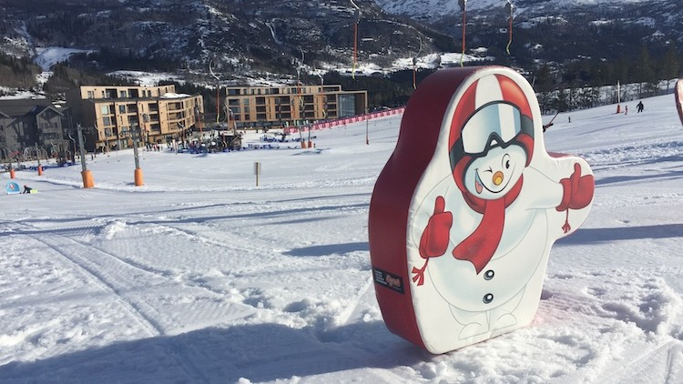 Tik 'm aan kids in Hemsedal Noorwegen