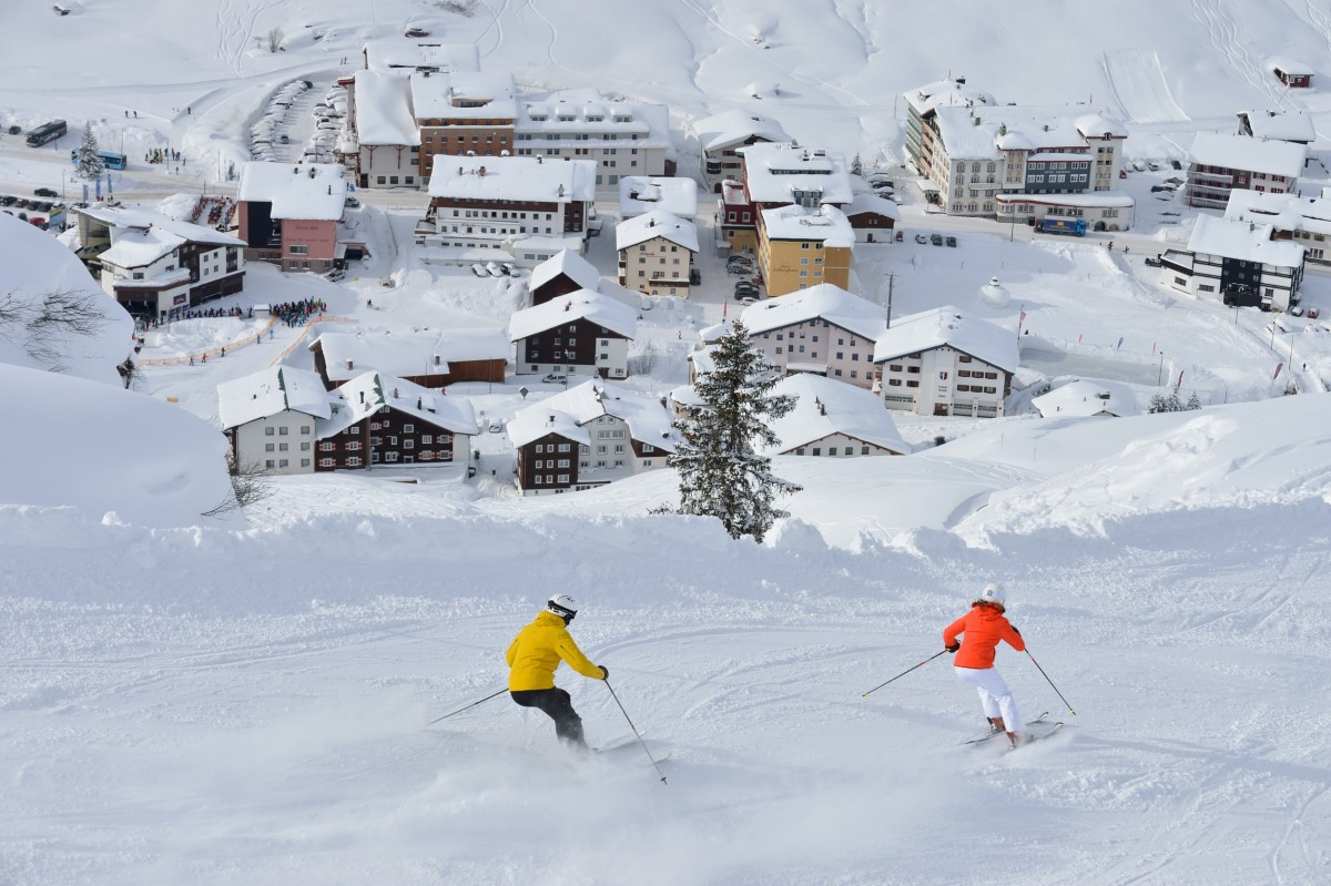 Ski Arlberg Pool West by Sepp Mallaun