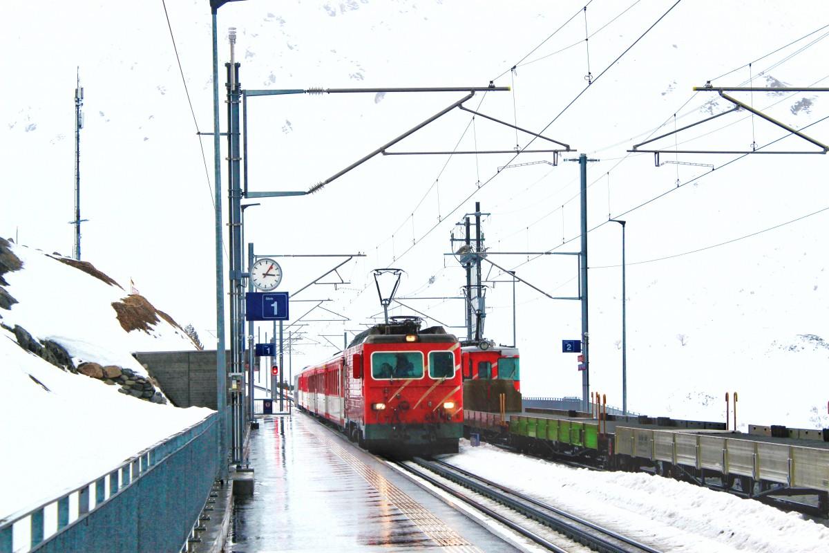 Andermatt is perfect bereikbaar met de trein. En eindig je de dag in een ander dal, neem je gemakkelijk de trein weer terug. Foto: Pauline van der Waal