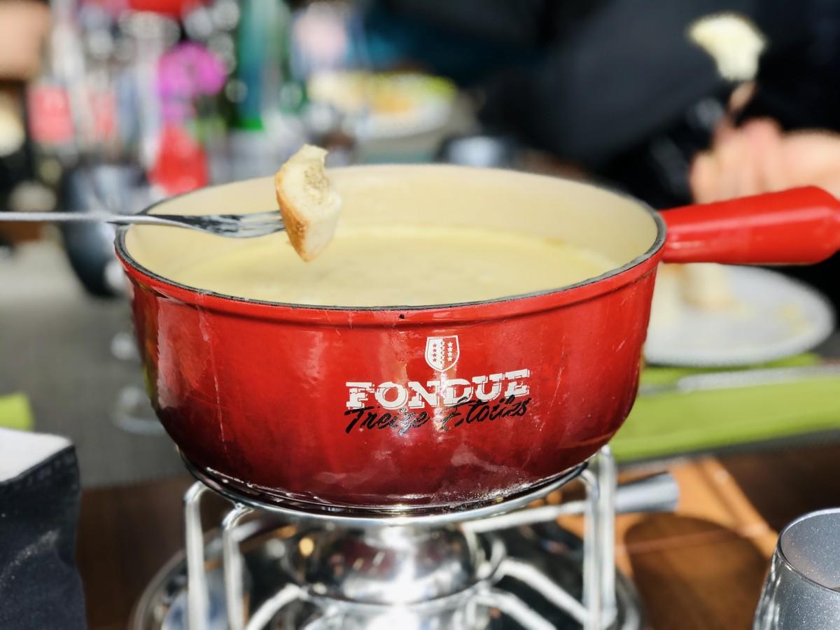 Zwitserland betekent natuurlijk: kaasfondue! Foto: Pauline van der Waal