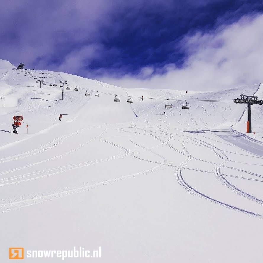 boarders skiers