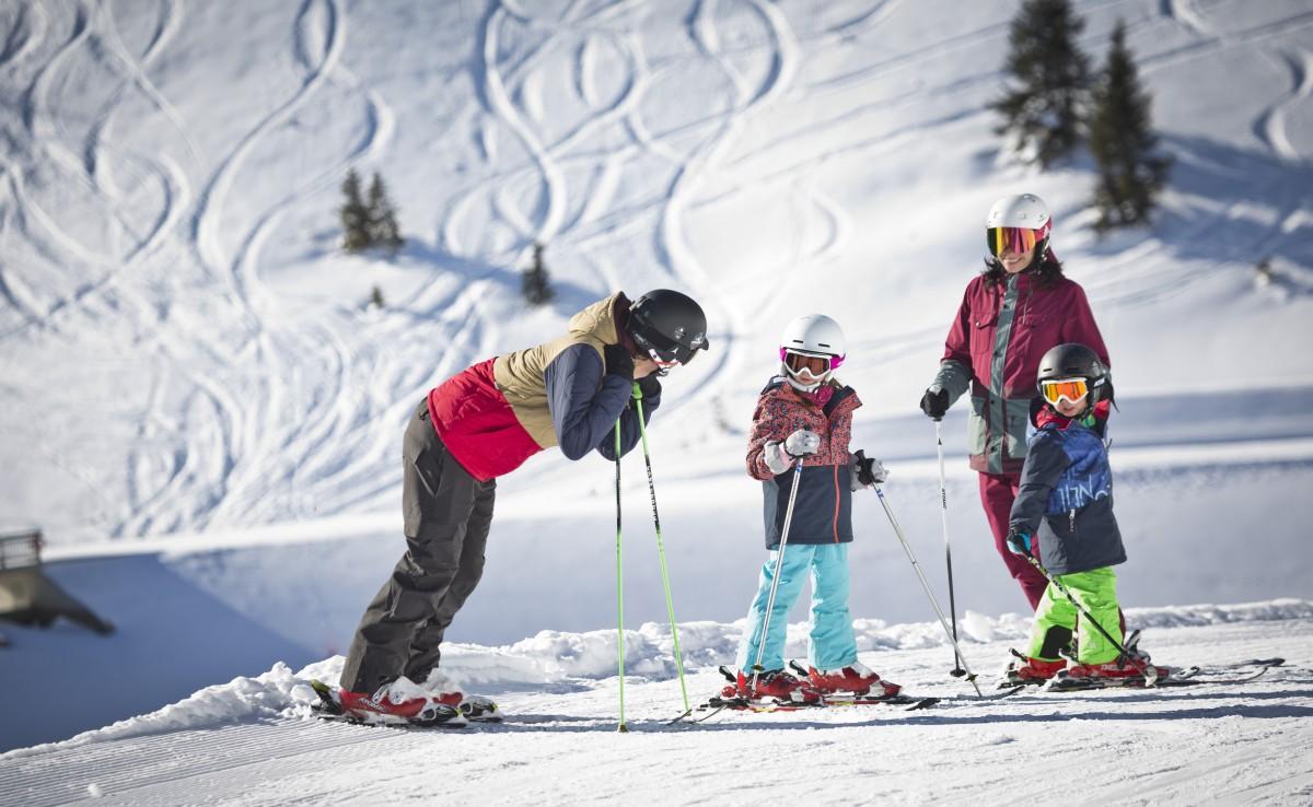 Skiën met de hele familie. © saalbach.com, Mirja Geh